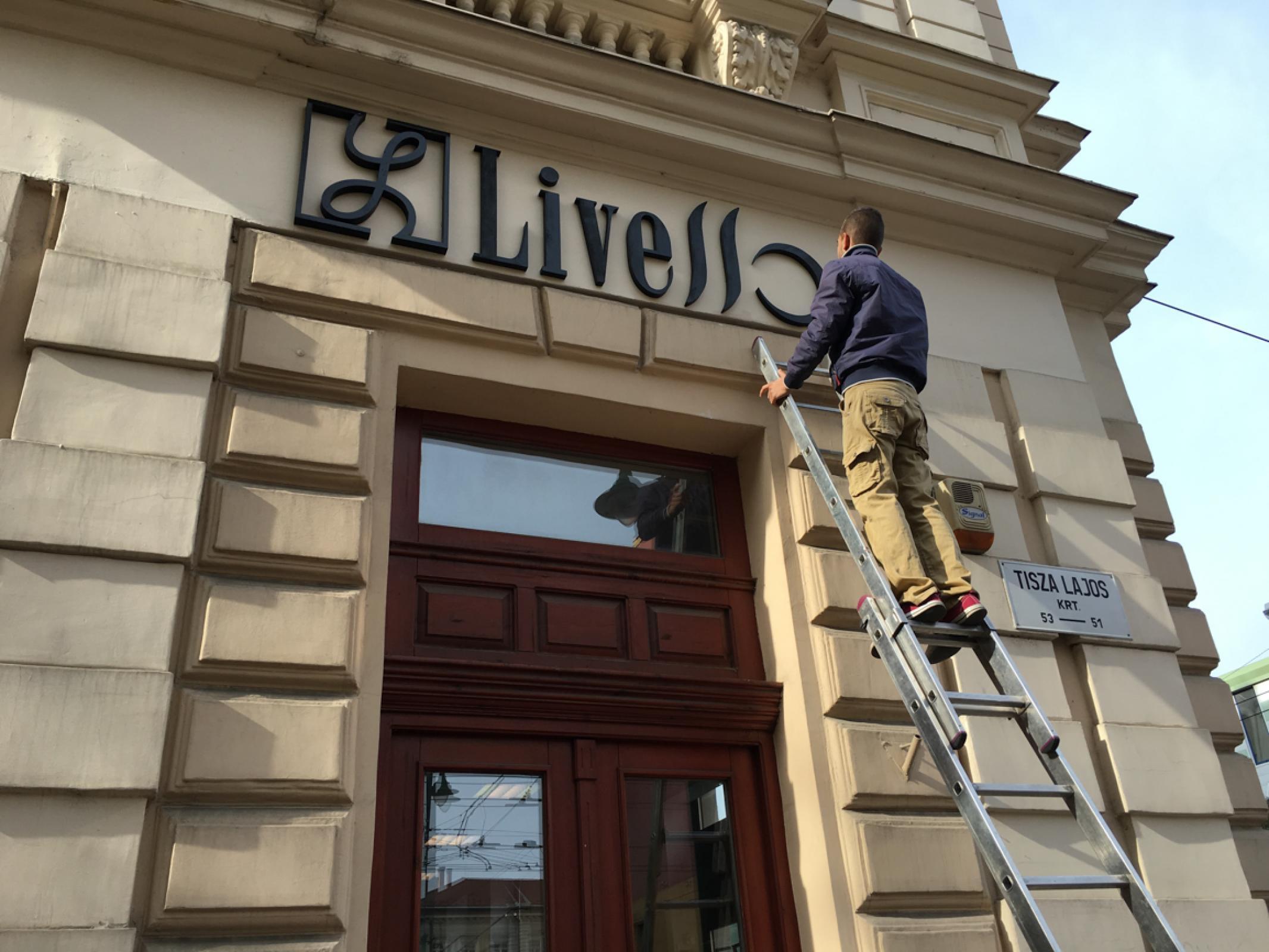 Livello Divatház Szeged